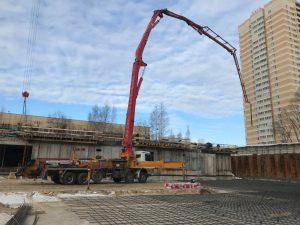 Заливка бетона для фундамента, бетононасосом 46 метров ТСН