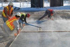 как заливать бетон в зимнее время