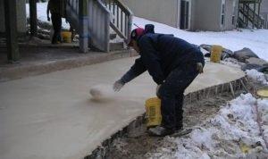 способы заливки бетона в зимнее время