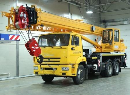 Автокран 25 тонн 28 метров стрела